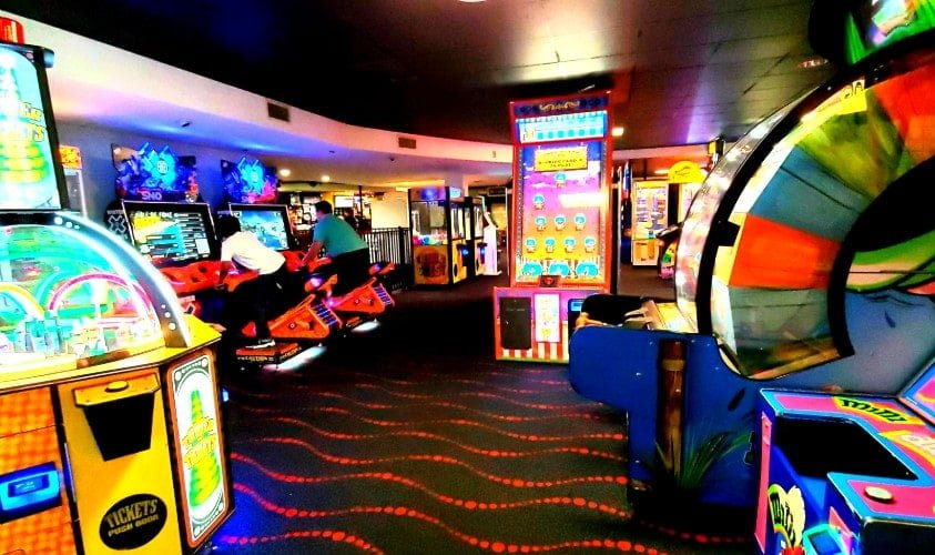 Arcade at Palace Point