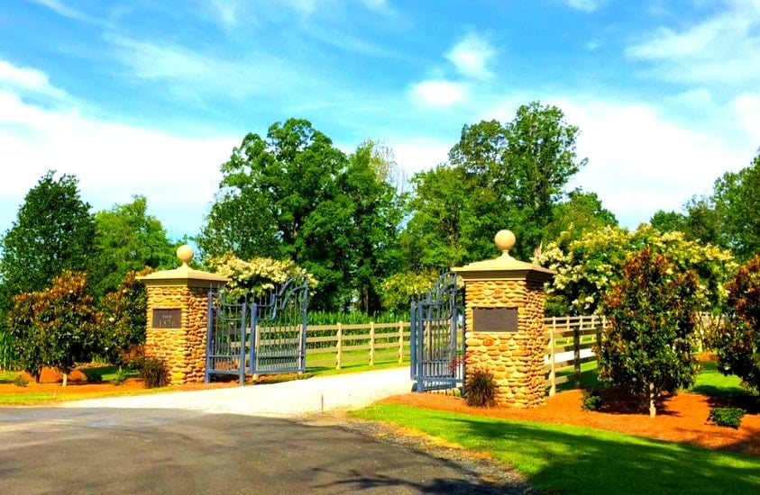 Entrance to Tunnel Creek Vineyard